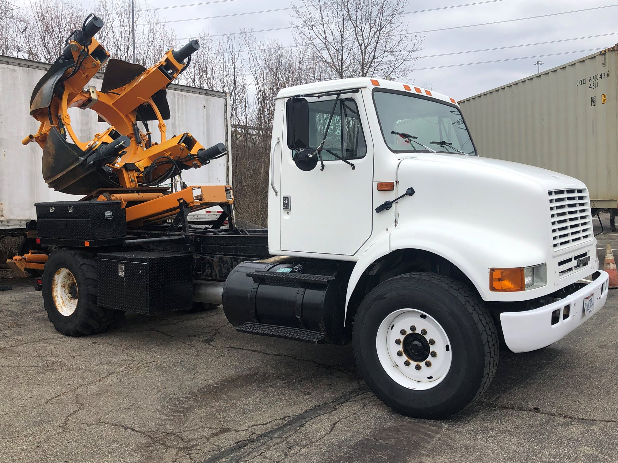 1995 International 1700 with 65in Tree Spade (1)